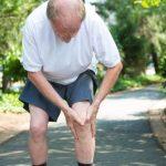 آرتروز زانو چگونه بدون جراحی درمان میشود درد و التهاب آرتروز زانو