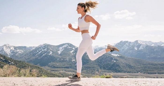 انجام حرکات ورزشی جهت رفع زانو درد