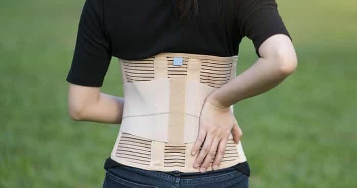 بریس برای درمان تنگی کانال نخاعی