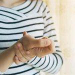 درد مچ دست نشانه چیست؟ علت درد گرفتن مچ دست راست و چپ