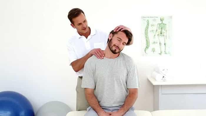 درمان دیسک گردن با فیزیوتراپی ماساژ، ورزش و تحریک الکتریکی
