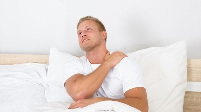 شانه درد در شب را با فیزیوتراپی و حرکات کششی شانه درمان کنید