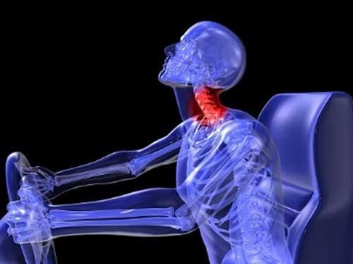 شکستگی گردن؛ علت، علائم و درمان