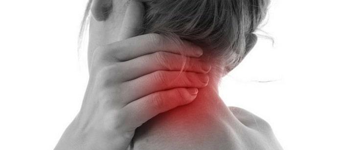 علائم و نشانههای دیسک گردن چیست