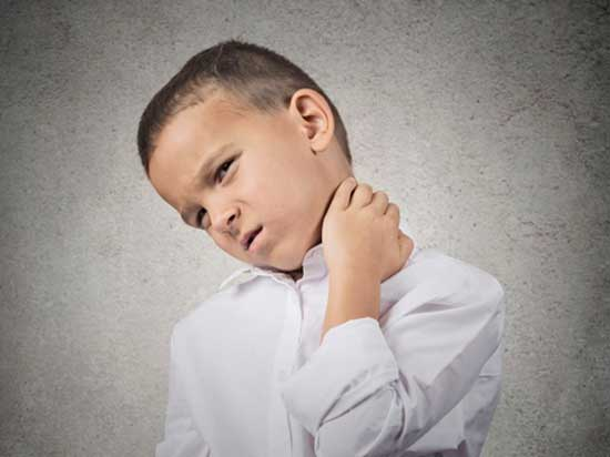 علت گردن درد کودکان و درمان آن
