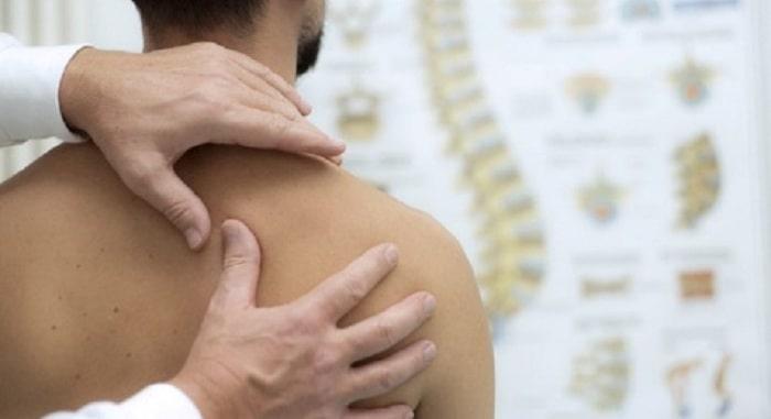 کشش یا ترکشن دستی برای درمان دیسک گردن